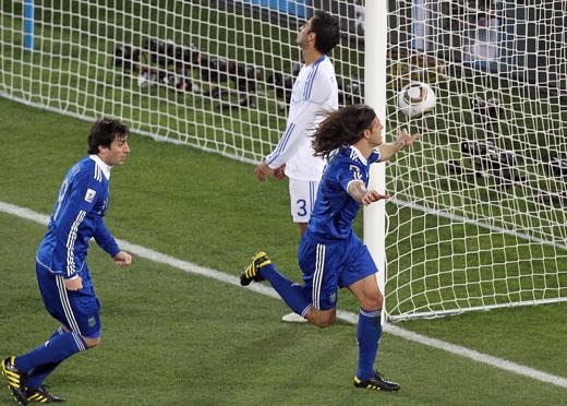 世界杯-梅西中柱疯子破门 阿根廷2-0全胜进16