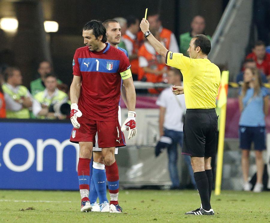 小组赛 意大利2 0爱尔兰 卡萨诺破门巴神世界波 东方体育