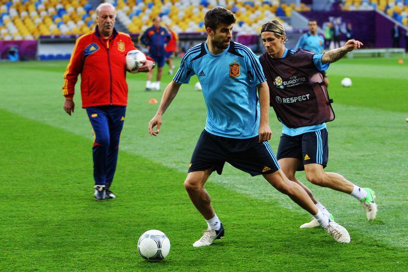 西班牙队训练备战2012年欧洲杯决赛图片