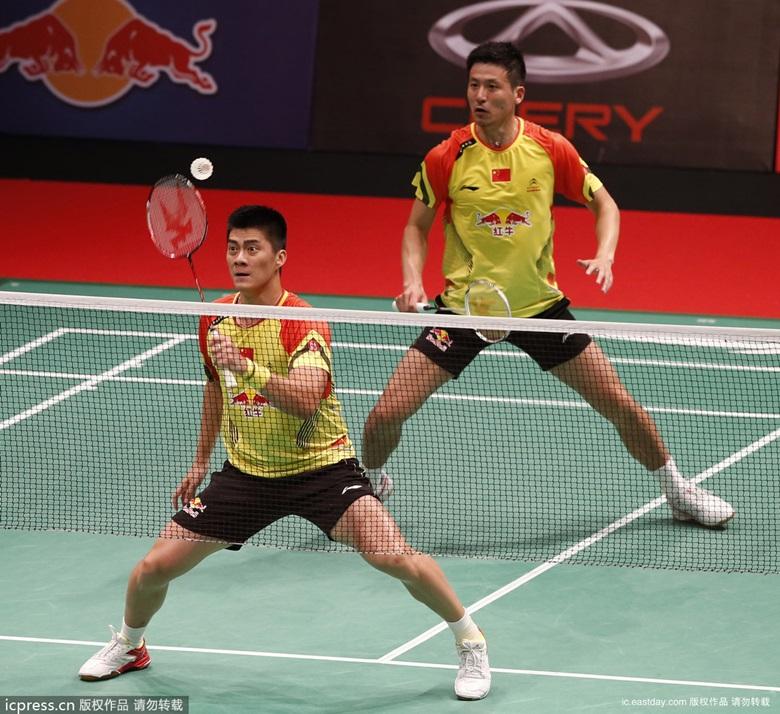 2013年苏迪曼杯羽毛球混合集儿子团弄赛小组赛:中国