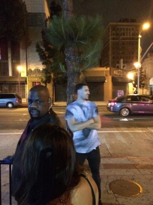 据著名八卦网站tmz报道,勇士队后卫克莱-汤普森在洛杉矶光顾一家夜店