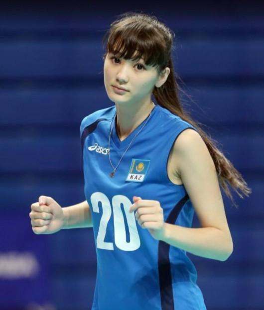 哈萨克斯坦排球美少女出任妇女委员会成员