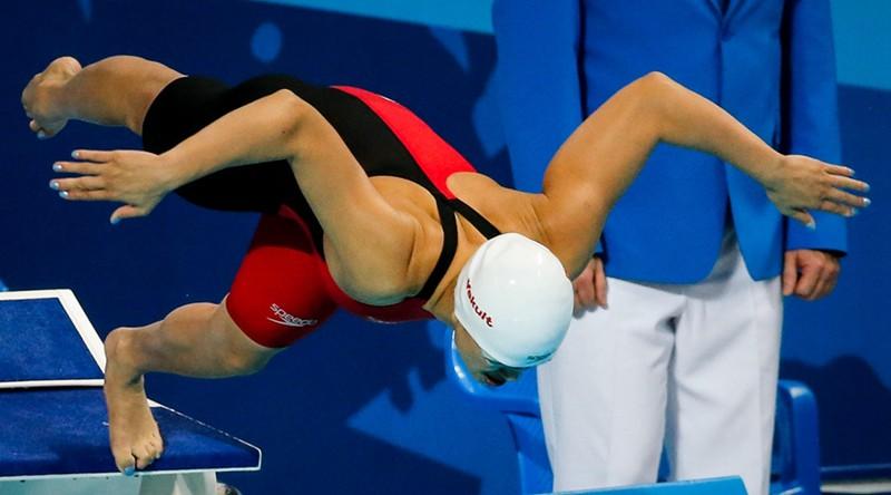 游泳世锦赛女子50米蝶泳决赛中,中国选手陆滢以25秒37的成绩获得铜牌.