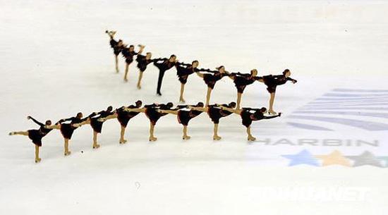 """冰上赛事——国际滑联""""上海超级杯""""短道速滑及花样滑冰队列滑大奖赛图片"""