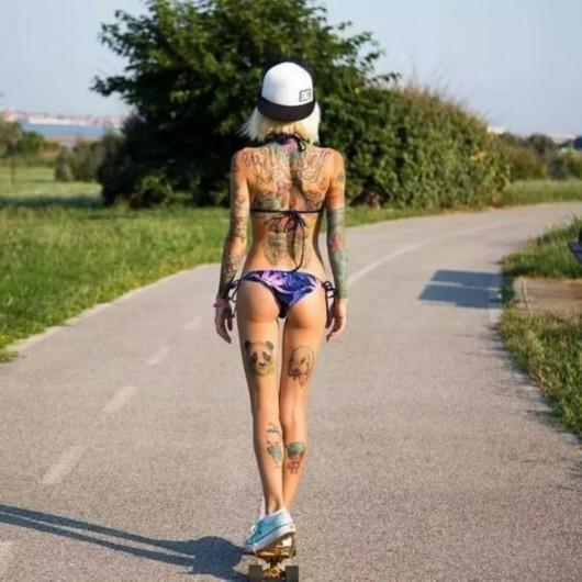 当健身遇到纹身,一场来自健身girl的视觉盛宴!