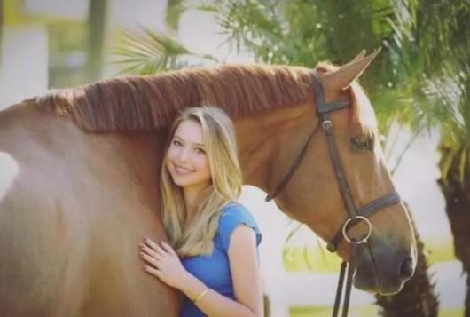 谁有幼女色色网址_乔布斯18岁幼女成马术新星 曾被帮主笑称会接管苹果