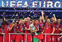 2016年欧洲杯2016欧洲杯于北京时间2016年6月11日至7月11日在法国举行,24支球队角逐欧洲足球最高荣誉。最终,葡萄牙队1-0击败东道主法国队,成为第10个欧洲杯冠军,这也是葡萄牙队获得的首个大赛冠军。欧洲杯|赛程|直播|葡萄牙|足球|体育