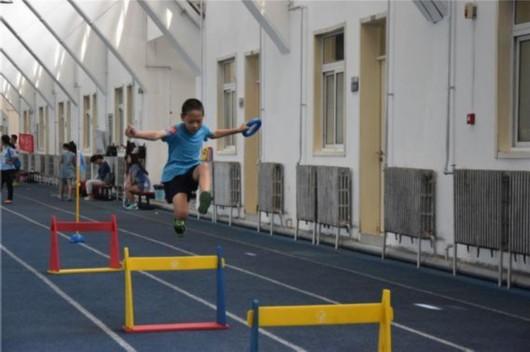 体验少儿趣味田径 用新颖的方式参与全民健身