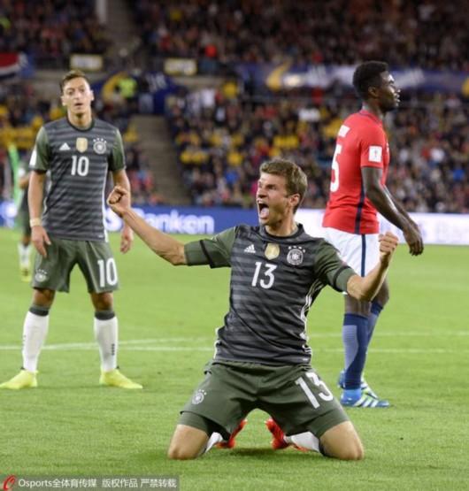 世预赛-63年第一战!德国3-0挪威 穆勒双响炮