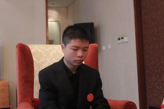 李钦诚曾负女棋手