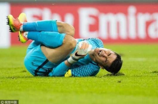 中国队官方确认曾诚后交叉韧带损伤 赛季报销