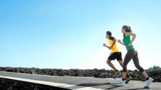 """""""跑族""""你受伤了吗? 教你6招跑步常见病治疗法"""