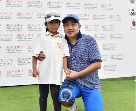 刘国梁现身汇丰青少年冠军赛比洞赛支持女儿