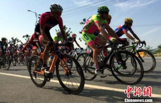 环鄱阳湖国际自行车赛江西武宁站举行澳大利亚选手夺冠